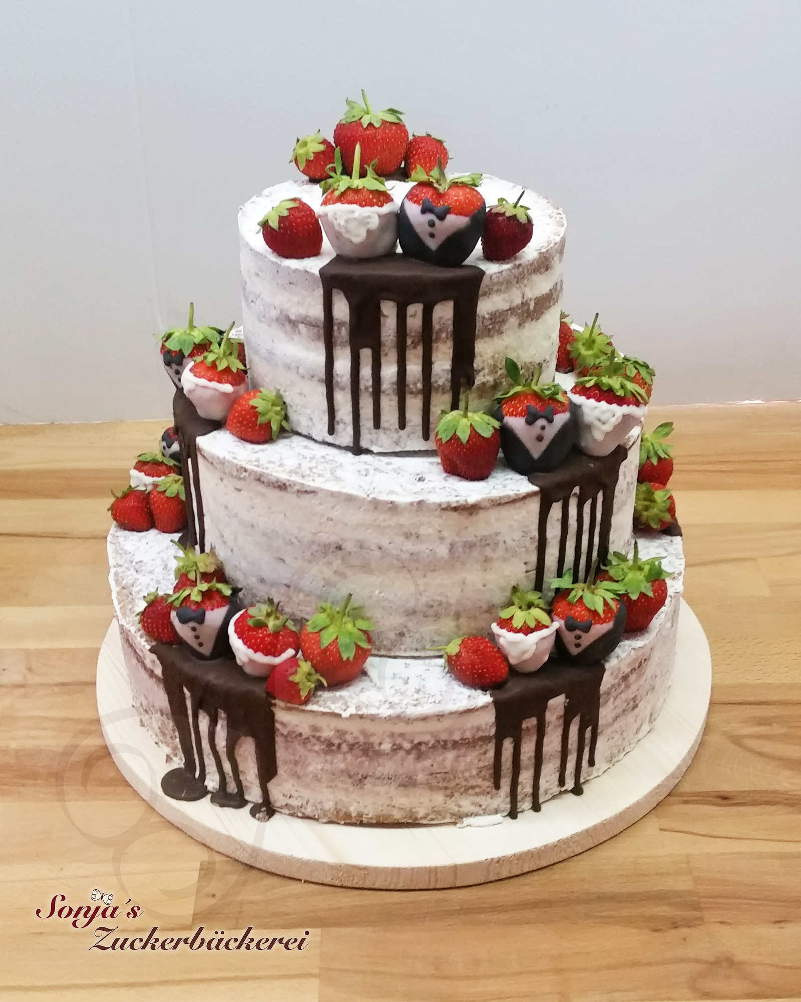 Hochzeitstorte Semi Naked Cake Mit Erdbeeren Sonja S Zuckerbackerei