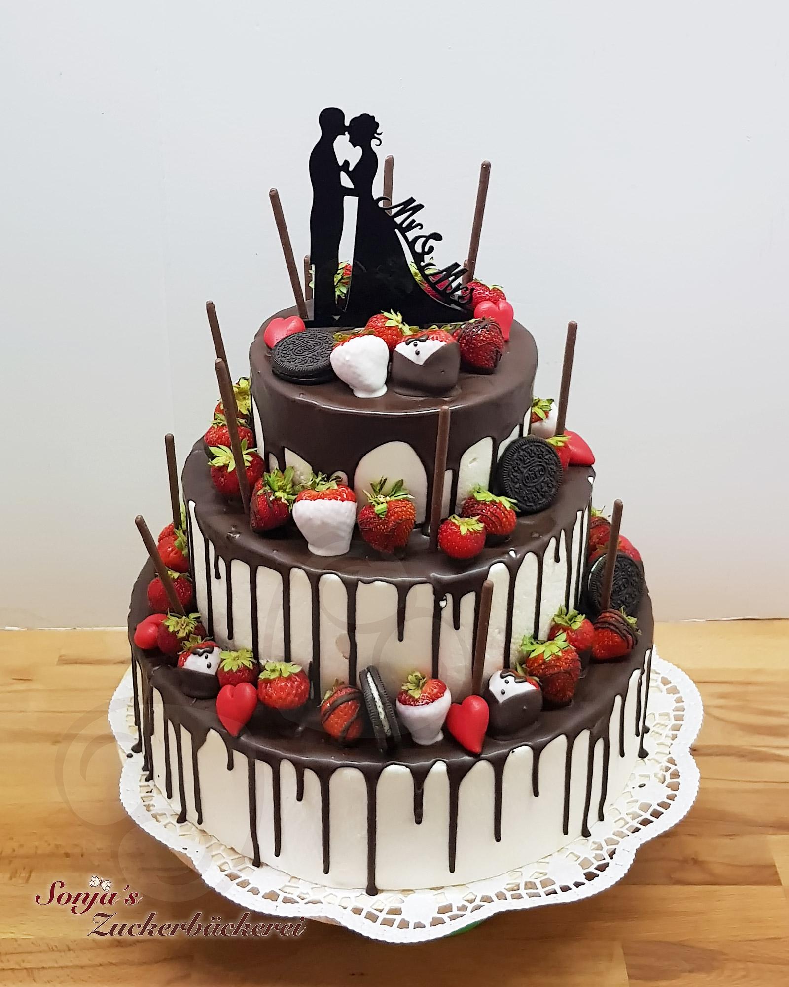 Hochzeitstorte Drip Cake Mit Oreos Sonja S Zuckerbackerei